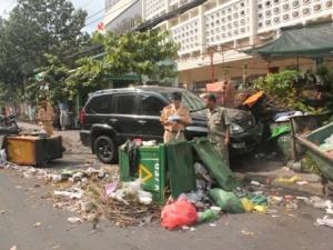 Xe Lexus gây tai nạn kinh hoàng trên đường phố Sài Gòn, 3 người bị thương nặng