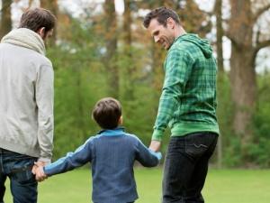 Hé lộ khả năng có con cho những cặp đôi đồng tính