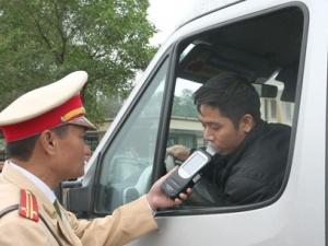 Ý kiến trái chiều về việc thu xe của người phạm luật giao thông