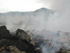 Cháy bãi rác ở Đà Nẵng: Vụ cháy đang lan dần về khu dân cư