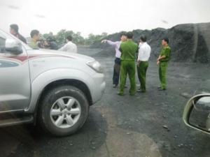 Quảng Ninh: Ai đã chôn hàng chục nghìn tấn than xuống lòng đất?
