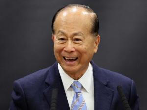 Hành trình vươn lên từ nghèo khó của tỷ phú giàu nhất châu Á Li Ka-Shang