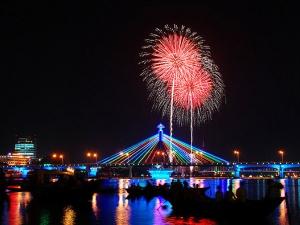 Xem bắn pháo hoa quốc tế ở Đà Nẵng không sợ bị 'chặt chém'