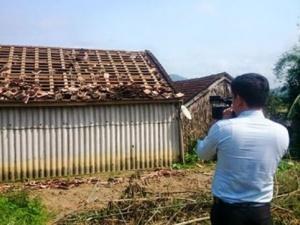 Mưa đá kèm lốc xoáy càn quét Hà Tĩnh, 200 ngôi nhà trơ mái