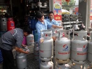 Giá gas bán lẻ tháng 4 giảm còn 300.000 đồng bình 12 kg
