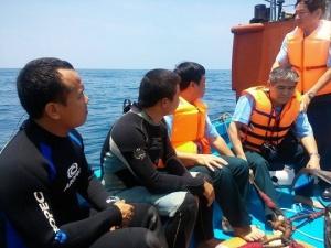 Tìm thấy mảnh vỡ, ghế dù của máy bay Su-22 rơi ở đảo Phú Quý