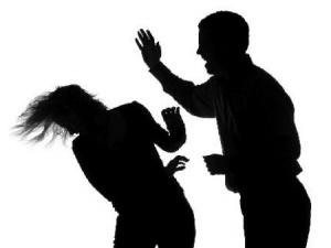 Những pha đánh chết vợ vì lý do lãng xẹt của đức lang quân