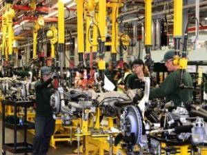 Anh: Tăng cường đầu tư vào kỹ năng và công nghệ nhằm tăng năng suất