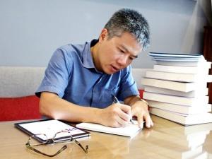 GS Ngô Bảo Châu: 'Sách ở bên tôi trong những biến cố cuộc đời'