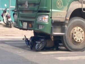 Tai nạn giao thông ngày 21/10: Xe 'hổ vồ' kéo lê nam thanh niên tử vong