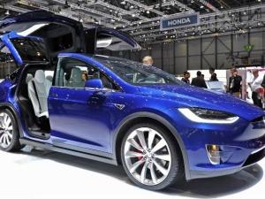 Thu hồi xe ô tô Tesla vì lỗi phanh điện tử