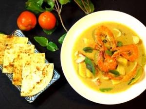 Cách làm hải sản sốt cà ri xanh hấp dẫn cho ngày thời tiết dịu mát