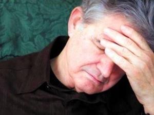 Đình chỉ 3 lô sinh phẩm Human Albumin 20% nghi nhiễm bệnh nhũn não