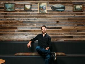 Ryan Holmes: Cậu bé lau cửa thuê thành CEO công ty tỷ đô