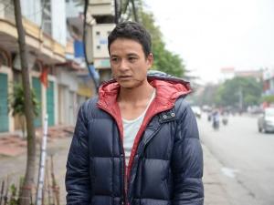 Quảng Ninh: Người dân suýt bỏ mạng vì dây cáp viễn thông quàng cổ