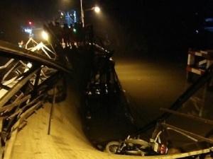 Thông tin mới nhất về vụ sập cầu Long Kiển ở TP HCM làm ô tô và xe máy rơi xuống sông