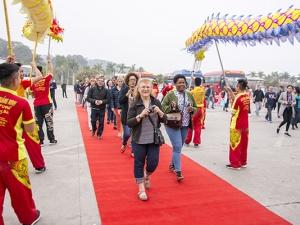 Quảng Ninh đón 10.000 du khách 'xông đất' Vịnh Hạ Long ngày  Mồng 1 Tết