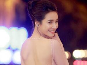 Bỏ mặc ồn ào chuyện tình ái, Nhã Phương lộng lẫy nhận giải Cánh Diều 2017