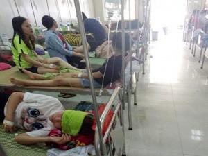 Sau tiệc liên hoan, hơn 70 sinh viên nhập viện vì ngộ độc