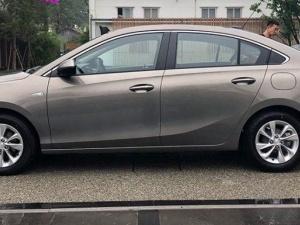 Soi chi tiết chiếc ô tô sedan Trung Quốc mới 'đẹp long lanh' giá chỉ 304 triệu đồng
