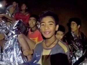 Giải cứu đội bóng Thái: Các cậu bé có sức khỏe tốt nhờ... huấn luyện viên