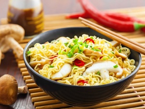 Người Việt ăn 5 tỷ gói mì 1 năm: Các 'đại gia' mì ăn liền 'thu đậm' thế nào?