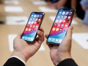 Giá iPhone XS Max tại Việt Nam bất ngờ 'lao dốc không phanh'