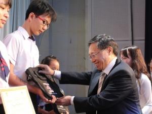 Đồng hành cùng trẻ em nghèo hiếu học Đồng Nai