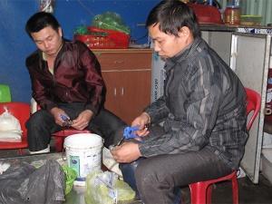 Hải Phòng: Bắt quả tang cơ sở bơm tạp chất vào tôm cung cấp cho nhà hàng