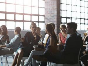 Đi làm muốn thăng chức, tăng lương, ngoài chuyên môn bạn còn cần chú ý đặc biệt đến 5 điều này