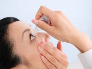 Mù mắt vì dùng thuốc nhỏ mắt Tobradex theo tư vấn của tiệm bán thuốc gần nhà