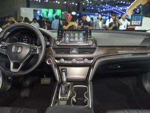 Giá bán từ 1,32 tỷ đồng, Honda Accord 2019 vừa ra mắt có gì hấp dẫn?
