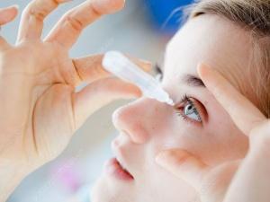 Thuốc nhỏ mắt chữa cận thị, liệu có đúng như quảng cáo ?