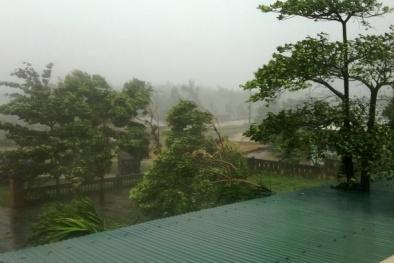 Cập nhật cơn bão số 10: Tâm bão gió đã giảm