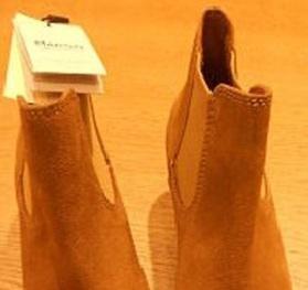 Giày Mango gây kích ứng da bị thu hồi