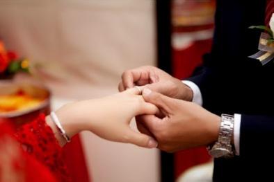 Chọn nhẫn cưới hoàn hảo mà tiết kiệm
