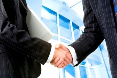 Văn hóa bắt tay của giới doanh nhân trên thế giới
