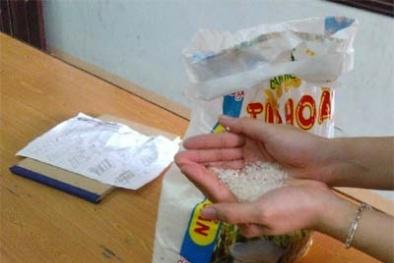 Gạo chuyển màu xanh nghi tẩm hóa chất chỉ là hoang tin