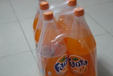 Sau Coca Cola, hàng loạt chai nước Fanta cũng bị xì, nổ lốp bốp