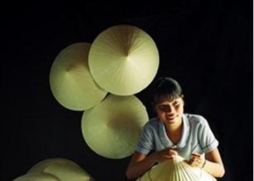 Chỉ dẫn địa lý cho nón lá Huế mang đậm hồn quê Việt Nam