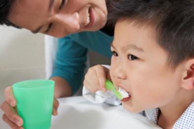 Hóa chất độc hại trong kem đánh răng trẻ em gây rối loạn sinh sản
