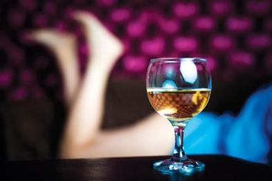 Uống rượu và sức khỏe tình dục