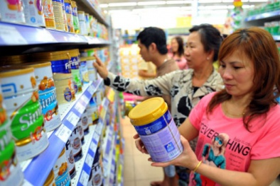 Giá sữa nguyên liệu giảm mạnh, doanh nghiệp sữa vẫn 'bình chân'