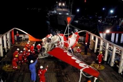 Trục vớt thành công hộp đen dữ liệu máy bay AirAsia