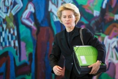 Tin tặc làm giả thành công vân tay của Bộ trưởng Quốc phòng Đức