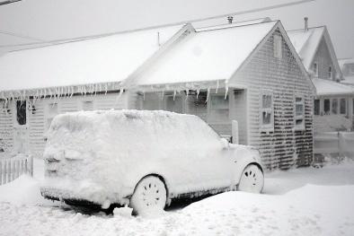 Vùng Đông Bắc nước Mỹ chìm trong tuyết trắng