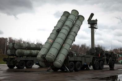 Trung Quốc 'mua sắm' vũ khí quân sự nhằm đối phó với 5 nước