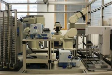 Robot hỗ trợ nghiên cứu dược phẩm hiệu quả nhất hiện nay