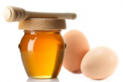 Chăm sóc tóc suôn mượt đúng điệu với mật ong