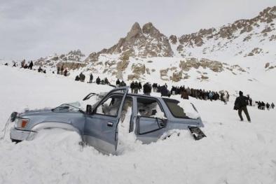 Ít nhất 124 người bị chôn vùi trong tuyết tại Afghanistan